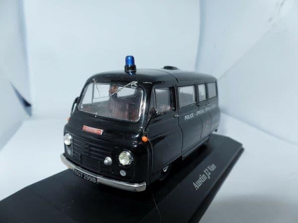 Atlas  JA02 1/43 O Scale Austin J2 Van London Metropolitan Police SPG